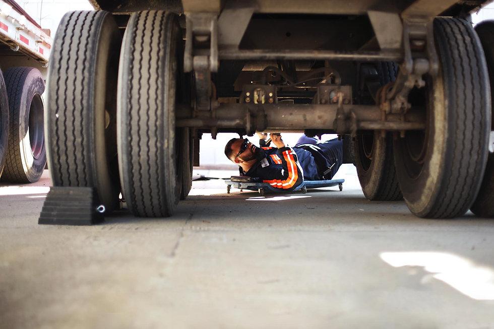 Semi-Truck-Roadside-Service-Amarillo-1.j