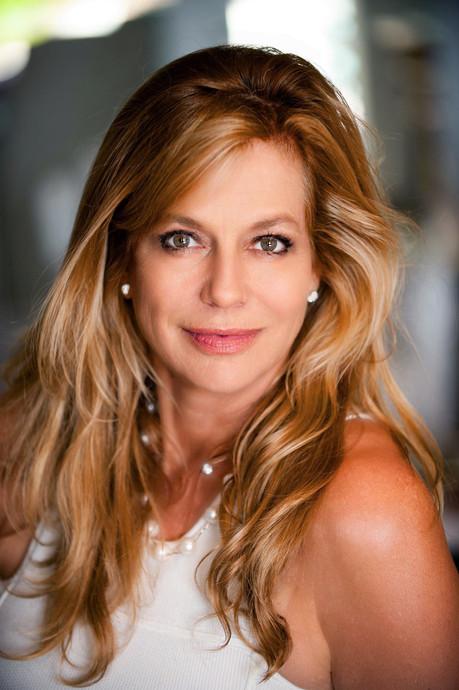 Lavinia Baker, Modere International
