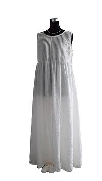 ホワイトリネン・フルピンタックドレス