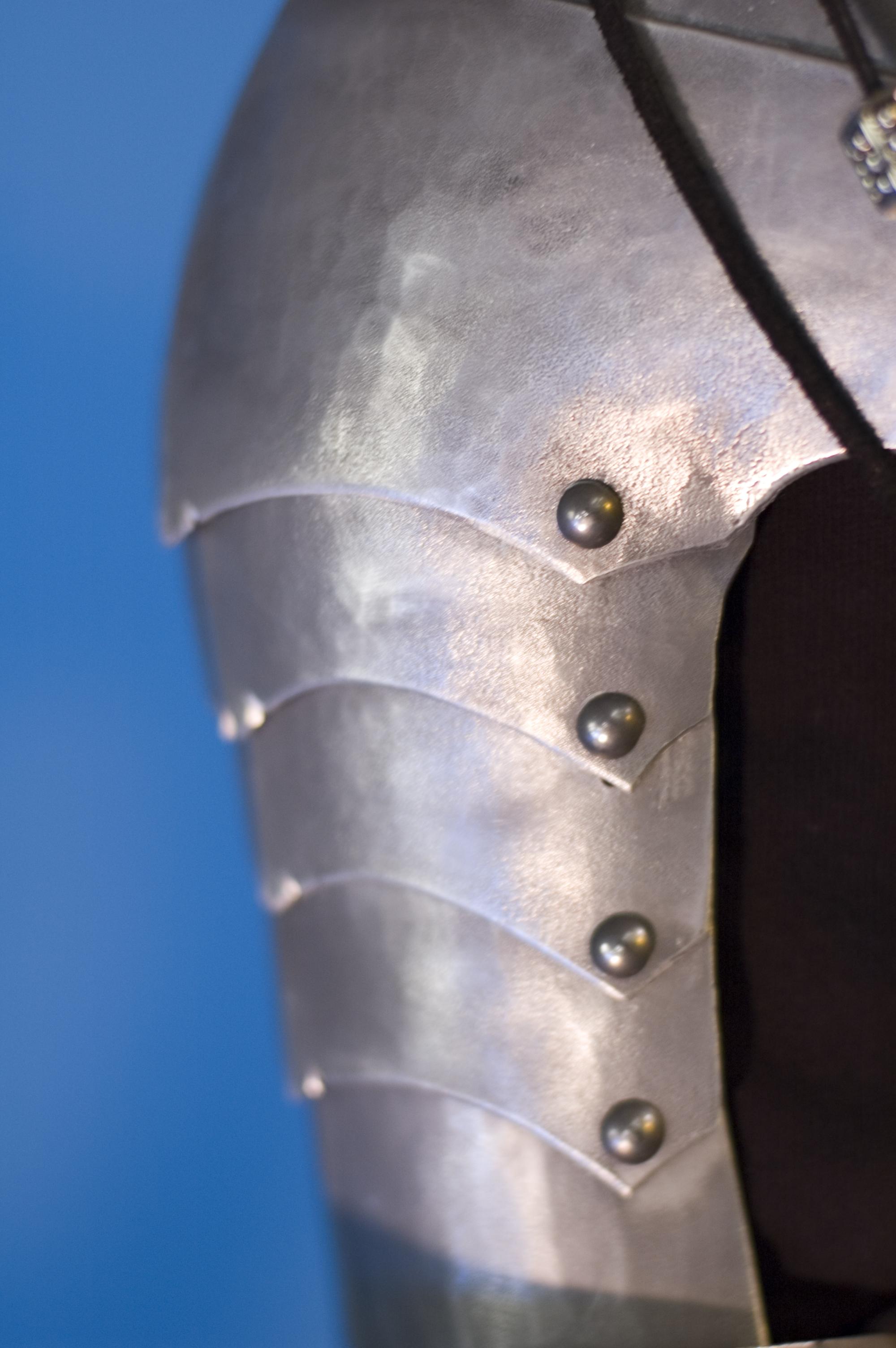 Aluminum Pauldron Design