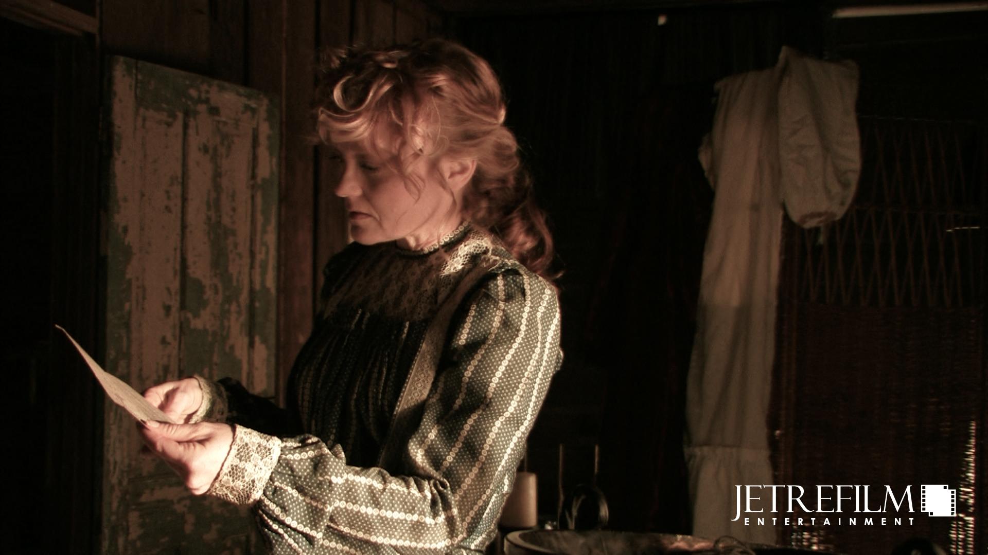 Elizabeth Reads Johnathan's Letter