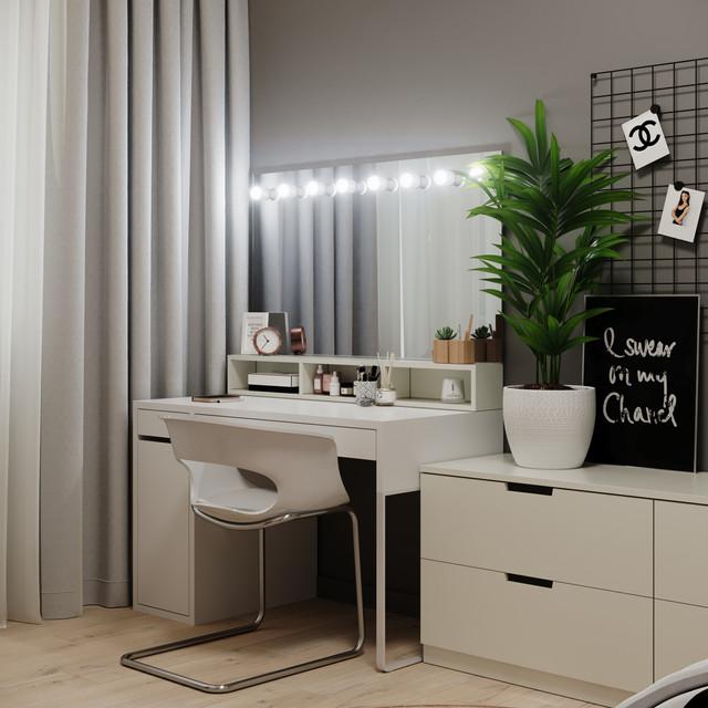 Desktop in teen bedroom