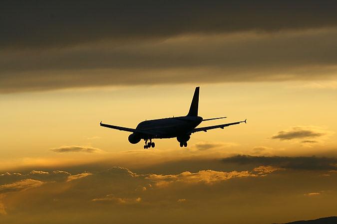 A320 on approach