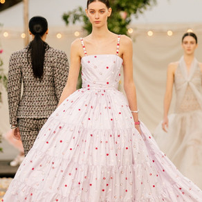 TAKE A INSPIRATION FROM HAUTE COUTURE FASHION WEEK