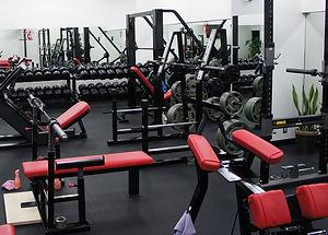 トレーニングマシン設備