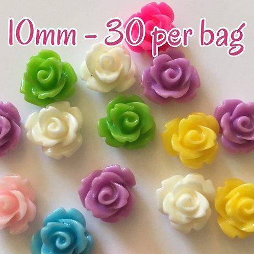 30 x 10mm resin flowers