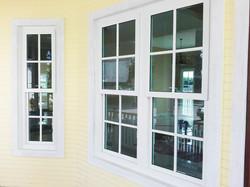 หน้าต่างบานยก.jpg