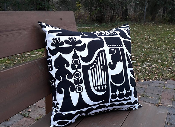 Black and white pillow cover from Marimekko fabric Kanteleen Kutsu