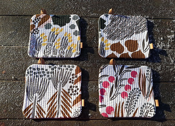 Small placemats from Marimekko linen fabric Letto