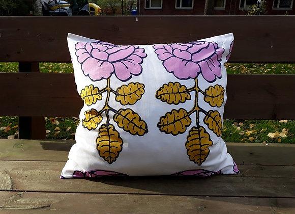 20 inch pillow cover from Marimekko fabric Maalaisruusu