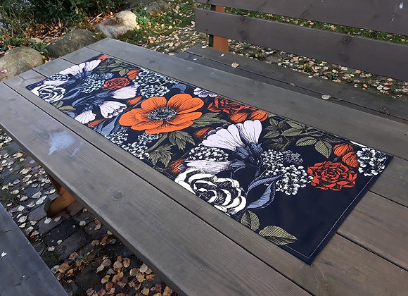 Autumn table runner from  Marimekko fabric Oodi