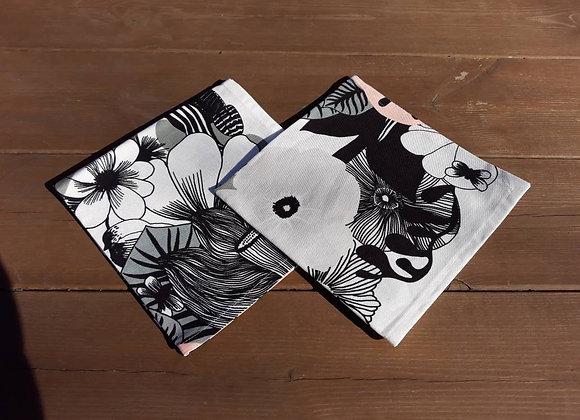 Floral cloth napkins from Marimekko fabric Kasvusto