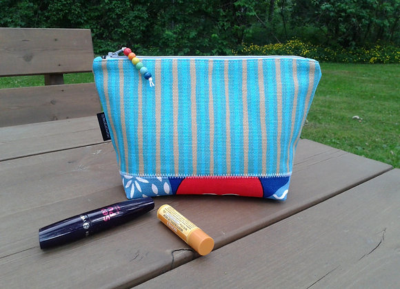 Blue zipper pouch from Marimekko fabric Piccolo Kompotti