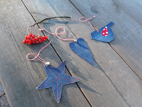 Easy Christmas ornaments from upcycled denim
