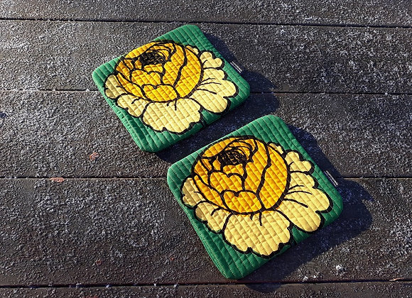 Small placemats from Marimekko fabric Maalaisruusu