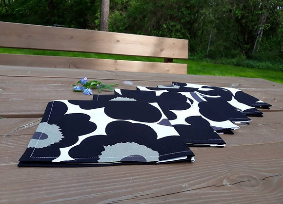 Black and white cloth napkins from Marimekko fabric Pieni Unikko