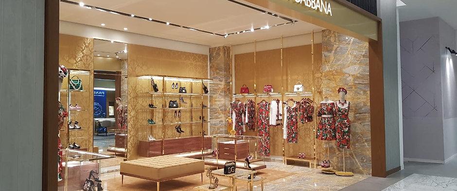 Dolce & Gabbana Construction Store Perisur