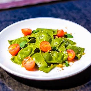 gogo vego green ravioli and tomatoes.jpg