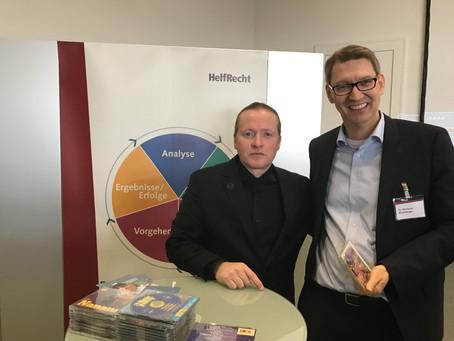 Dr. Bernhard Rosenberger mit Joey Kelly auf den Praktikertagen