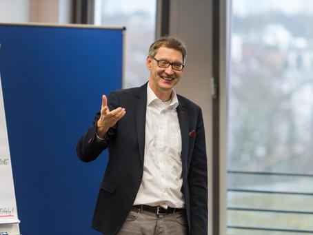 Letzte Ausfahrt Führung? Ein Interview mit Daniel F. Pinnow und Bernhard Rosenberger