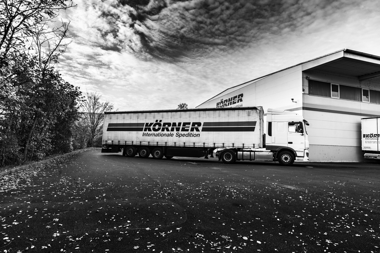 Marken LKWs von Volvo und DAF
