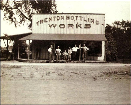 Trenton, Mo  c.1920.jpg