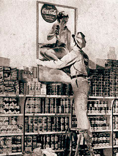 salesman onladder-crop-u74948.jpg