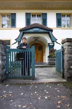 Haldimann in front of his atelier