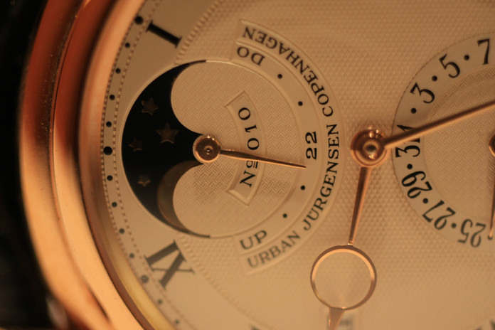 Reference 3, pink gold N°010. Never worn, NOS, with box, certificat and booklet