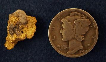Small Gold and Quartz Specimen gnmda138