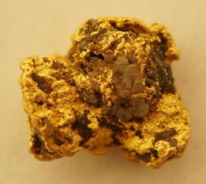 Dark Ages Collection Gold and Quartz Specimen gnmda507