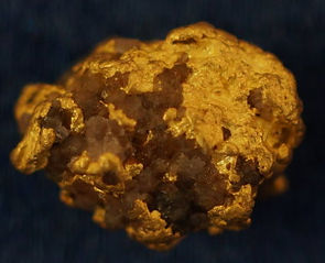 Natural Gold and Quartz Specimen gnmda509
