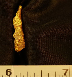 Medium Gold Nugget gnm107