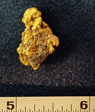 Natural Gold and Quartz Specimen gnmda503