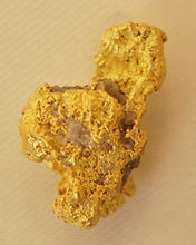 Medium Gold Nugget gnm139