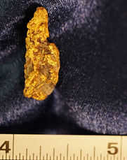Natural Gold and Quartz Specimen gnmda503