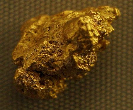 Amazing Medium Gold Nugget at goldnuggetman.com