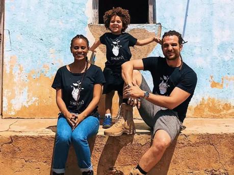 Igor Rickli e Aline Wirley viajam com o filho pela Bahia para conhecer projeto social
