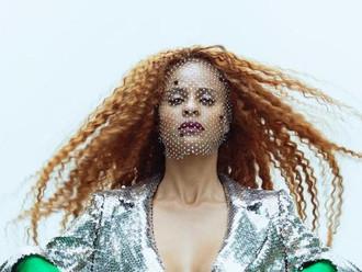 Ex-Rouge, Aline Wirley revela capa de novo álbum solo: ''Nem sei o que pensar''
