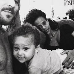 Aline e familia em casa