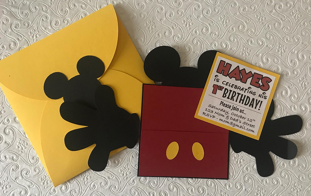 Mickey mouse handmade birthday invitation fully open