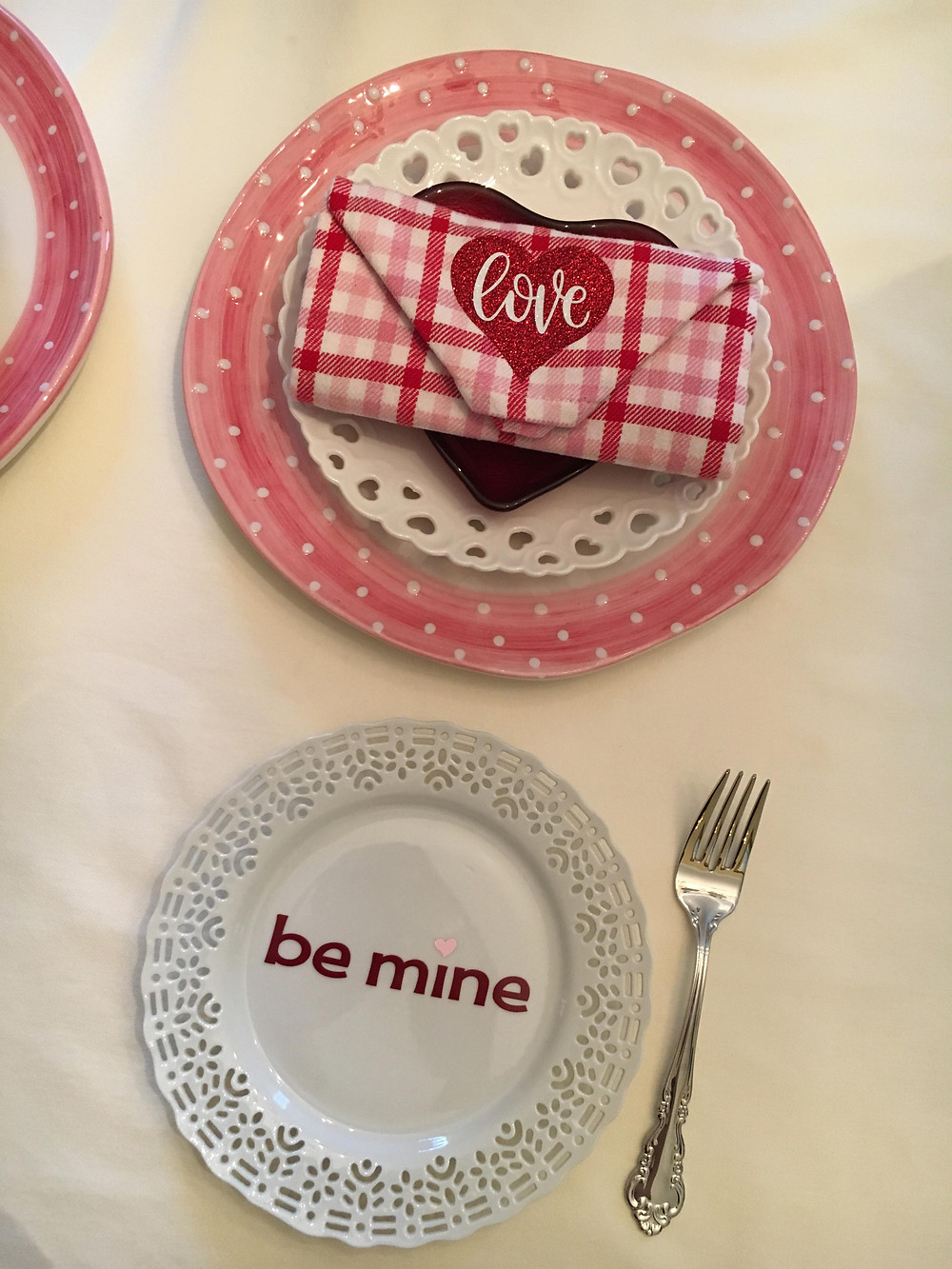 valentine place setting with vinyl designs