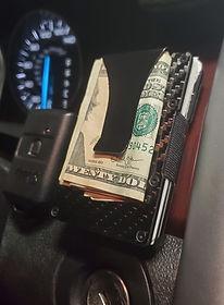Wallet_Car_02.jpg