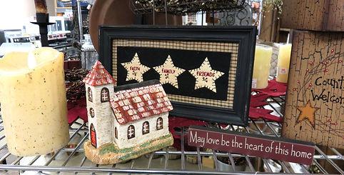 Primitive home décor items, flameless candle