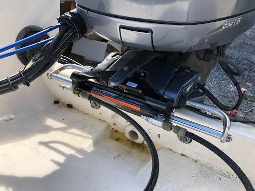 Gjør det selv - Bytte Baystar styresylinder på utenbordsmotor