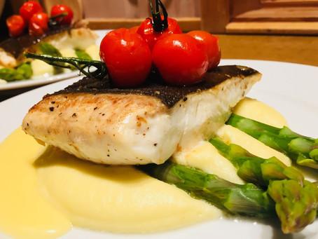 Fra Saltstraumen til middagsbordet - Kveite med pastinakkpuré og asparges