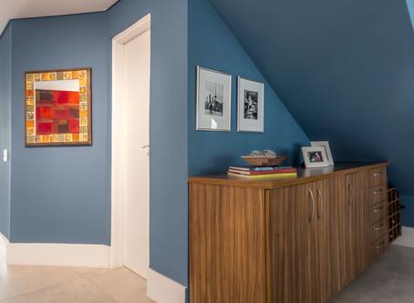 Sala de Estar em Cor Azul Neutra