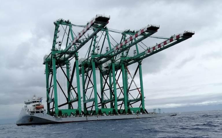 Three more cranes will be delivered next year. (Photos: AP di Gioia Tauro e della Calabria)