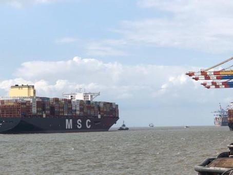 MSC GÜLSÜN docks at Bremerhaven – and sails into a storm
