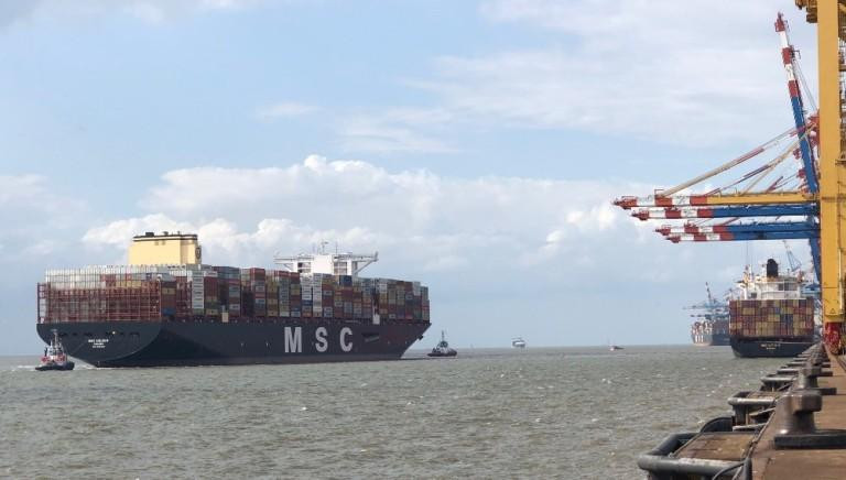MSC GÜLSÜN on the approach to MSC Gate Terminal, Bremerhaven on 19th august